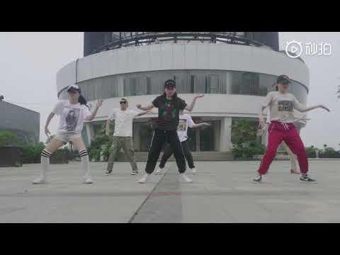 Wuhan Fans Dance To Michael Jackson In 2019
