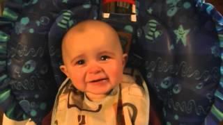 bebek müzikle ağlıyor