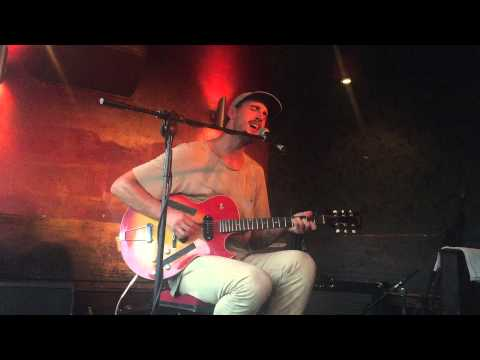 "Rayland Baxter ""Yellow Eyes"" - Live from Berlin"