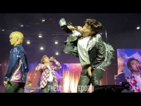 180920 Attack on Bangtan Medley @ BTS 방탄소년단 Love Yourself Tour in Hamilton Fancam 직캠