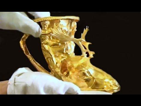 Tümülüsün  İlk  Açılış Anı  Buluntular Ve Define - Tumulus Jewelery
