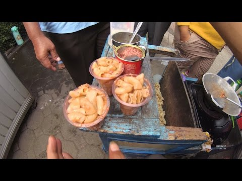 Greater Jakarta Street Food 1380 Part.2 MARKONAH Makaroni Kornet NgeunAH Warung Kaleng