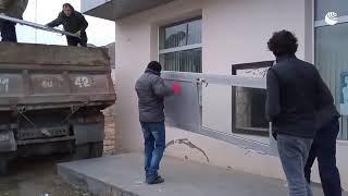 Люди уезжают из Кельбаджарского района в Карабахе