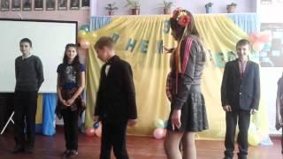 Урок української літератури проводить вчитель фізкультури