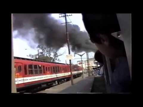 Metrovias - Tren a vapor en la ciudad.
