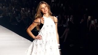 Gisele Bundchen's last strut down the runway