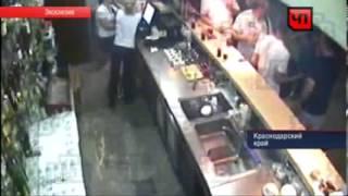 Алексей Панин голый устроил пьяный дебош в баре!