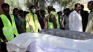 Пакистан  20 человек погибли от рук смотрителя духовного центра