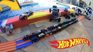 Hot Wheels Monster Trucks Acelerando Radicalmente Forte - Carrinhos de Brinquedos #102