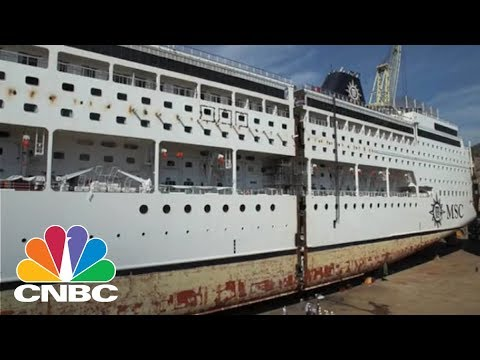 Here's A Bird's Eye View Of A Cruise Ship Being Cut In Half And Lengthened | CNBC
