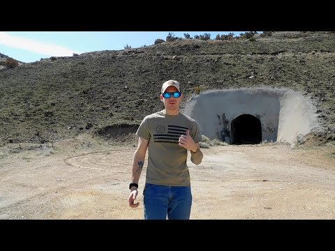 A TUNNEL IN THE MIDDLE OF THE DESERT?? - Abandoned Mines in Nevada