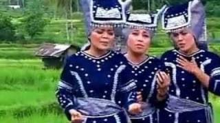Trio Limpapeh ~ Talambek Pulang