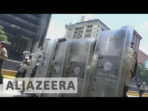 Anti-Maduro protests continue in Venezuela