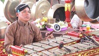 GAMBANG SULING - Javanese Gamelan Ensemble - Tawur Agung Kesanga [HD]