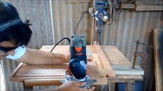Repeat youtube video Fazendo Canaletas com a Tupia (Making grooves with a router)
