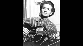 Watch Woody Guthrie Cumberland Gap video