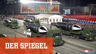 Nordkorea präsentiert neue Raketen