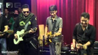 6 Strings - Kisah Cintaku ~ Bendera @ Mostly Jazz 26/03/13 [HD]