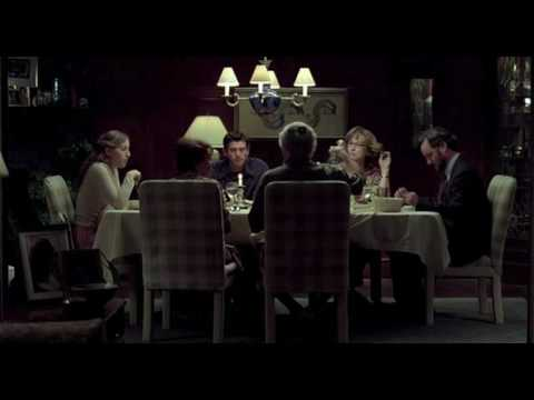 Prime (2005) - a tavola