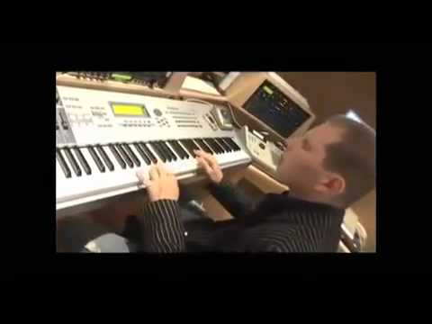 Scott Storch Making A Beat In The Studio ( HD Best Quality )