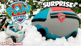 PAW PATROL Toys in Giant Paw Patrol Play-Doh Surprise Egg of Paw Patroller with Everest + Blaze Toys