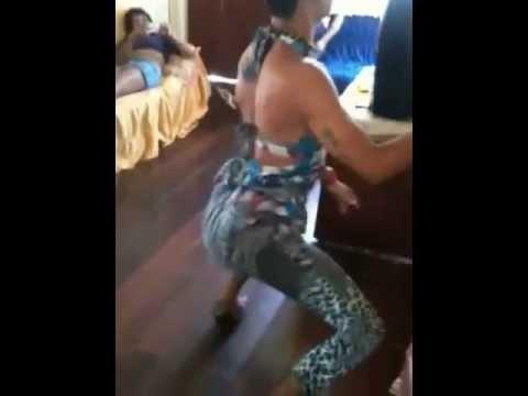 dançando funk travestis fotos