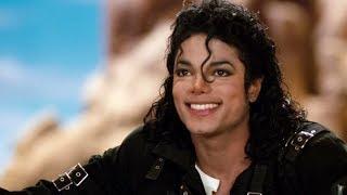 Младший сын Майкла Джексона: 16-летний парень растет настоящим красавчиком