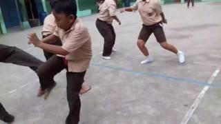 Parodi perang KLS 6B😂 2017 Video