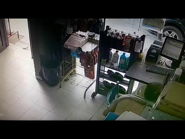 Robo en la estación de servicio Intihuan