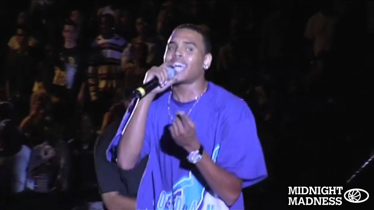 """Chris Brown - """"Wall to Wall"""" Live at Midnight Madness UK ... - photo #11"""