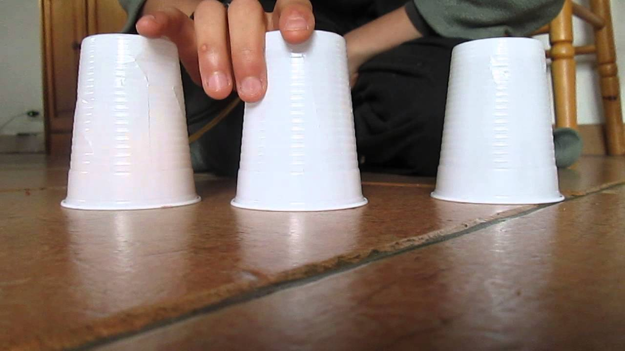Tour de magie avec gobelets + explication - YouTube