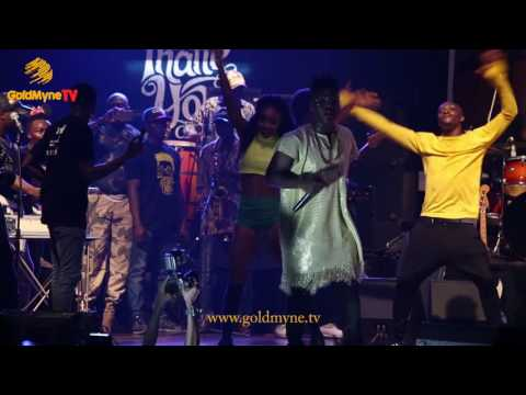 "REEKADO BANK'S PERFORMANCE AT HIS ""THANK YOU CONCERT"""