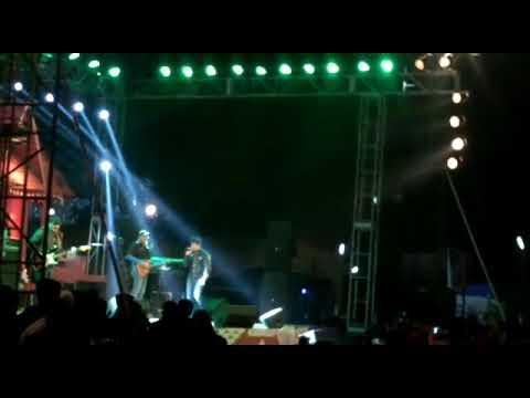 Singer KK live performance at Halisahar Utsav (হালিশহর উৎসবে গায়ক কেকে)