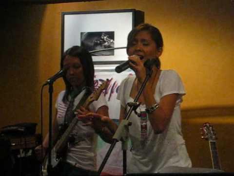 "Free Download Lala (pop Rock) - ""i Don't Know What To Wear"" Live! @ Bo's Coffee, Katipunan Mp3 dan Mp4"