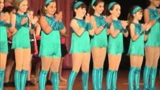 Rachael's Dance Recita - Chicken Dance - 2011