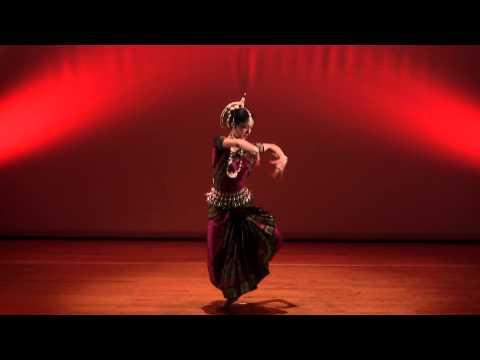 Odissi Nava Durga 油谷百美