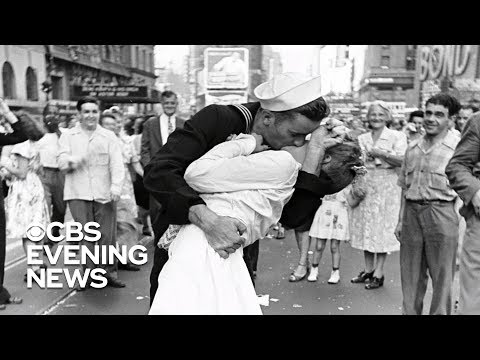 Community Access - The Sailor In Iconic WWII Photo Dies