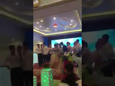 Xuân Trường hát cover Cô gái m52 trong đám cưới bạn thân ở Học viện HAGL Arsenal JMG