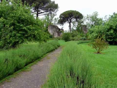 Giardino Di Ninfa Fondazione R Caetani Doganella Di
