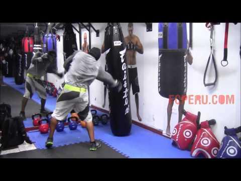Entrenamiento de boxeo: Combinaciones en el saco banano - Parte 1