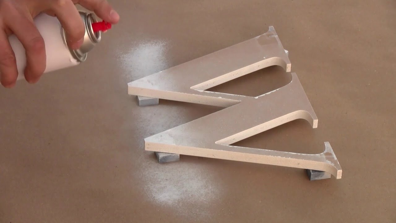 Spray paint for wood outdoor