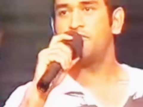 ms-dhoni-singing-song.