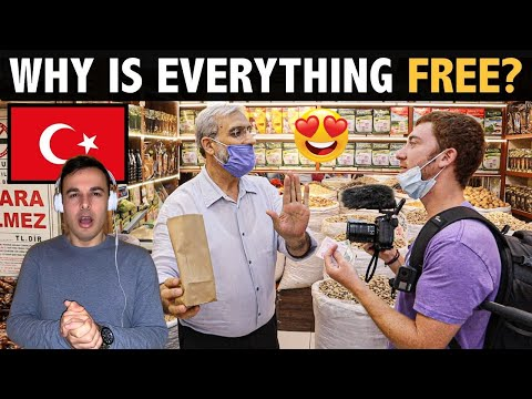 Italian Reaction to 🇹🇷 WHY IS EVERYTHING FREE IN TURKEY? (seriously!)