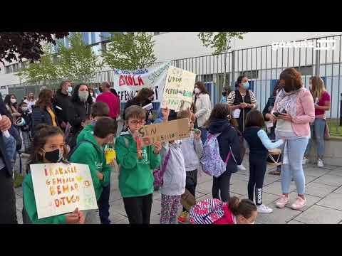 La dirección del Colegio Salburua dimite por falta de profesores