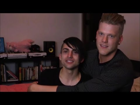 Superfruit/Scomiche being supportive and protective of each other