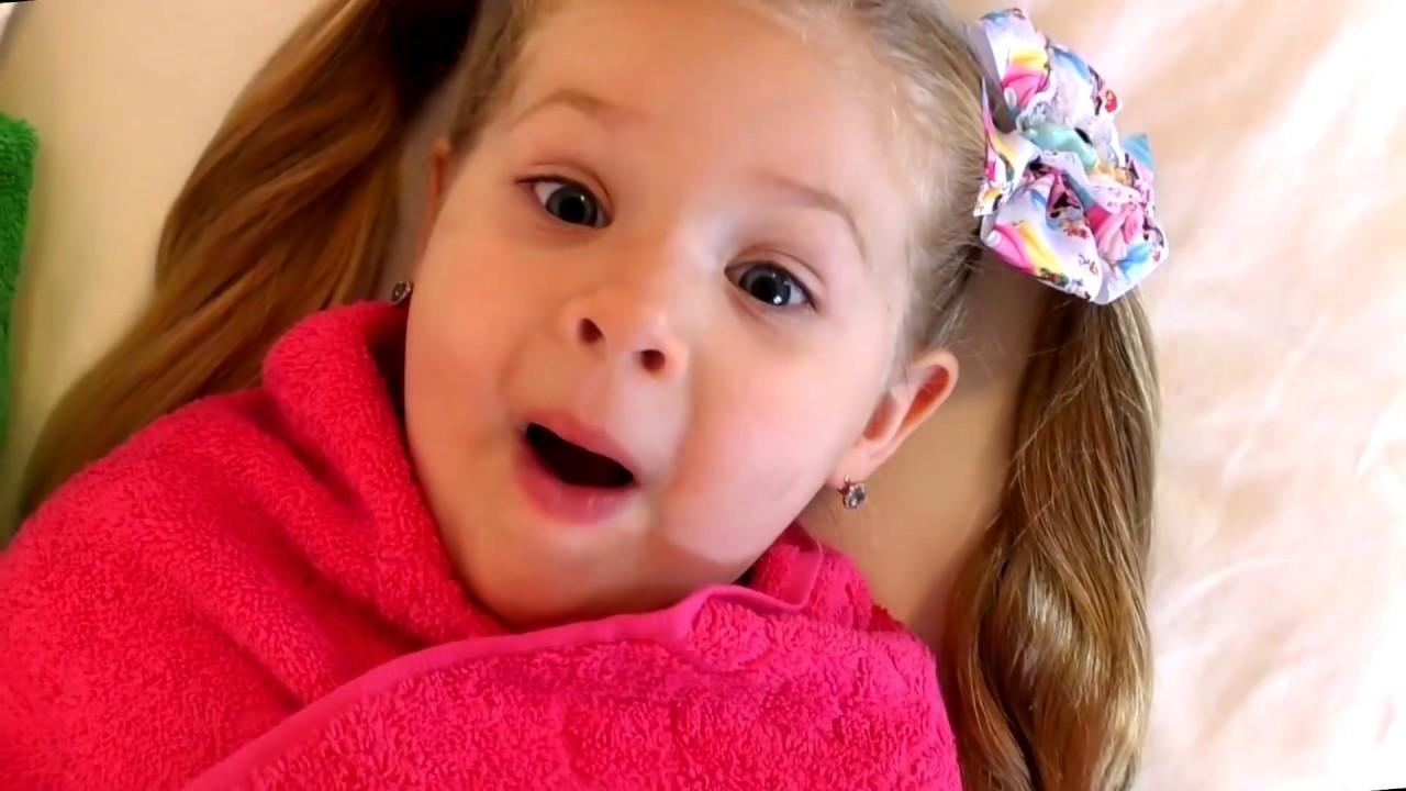 Diana Pretend Play Babysitting Cry Baby Dolls Youtube