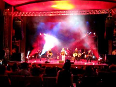 Kevin Costner in Almaty - singing at Eurasia Film Festival - 26.09.2010 - Кевин Костнер