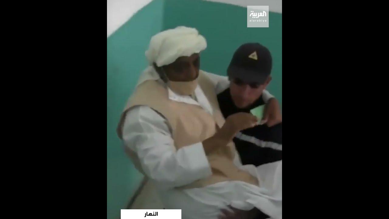 رجال الحماية المدنية يساعدون مسنا من ذوي الاحتياجات الخاصة للإدلاء بصوته  - 17:55-2021 / 6 / 12