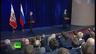 Владимир Путин вручает премии молодым учёным — LIVE