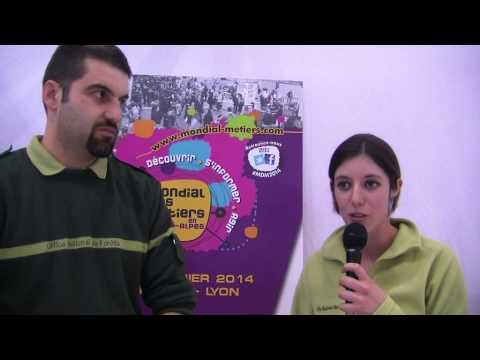 Najat Vallaud-Belkacem profite de son temps libre... pour apprendre à conduire !...de YouTube · Durée:  2 minutes 29 secondes